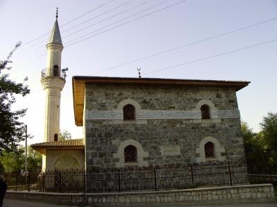 Kökköz - Yusupov Camii . Özgür Karahan, Mayıs 2003.